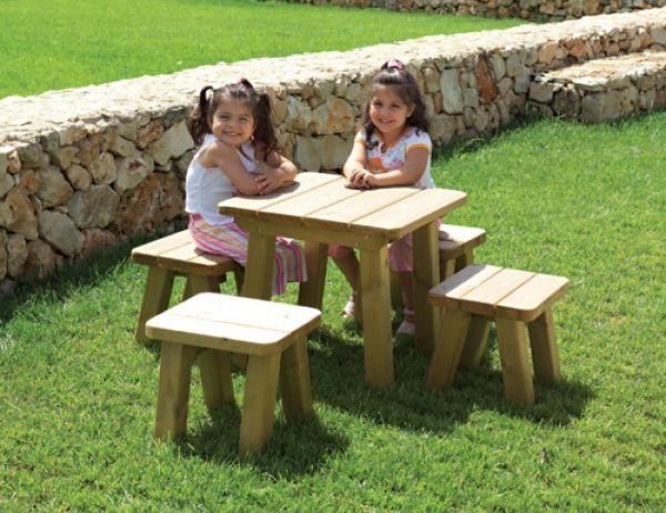 Sgabello margot in legno ideale per parchi e giardini pubblici play