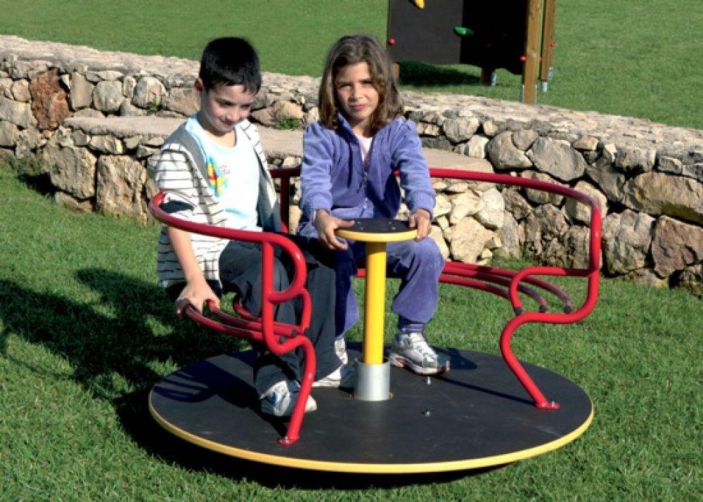 Giostra consuelo ideale per parchi e giardini pubblici play for Giostre usate