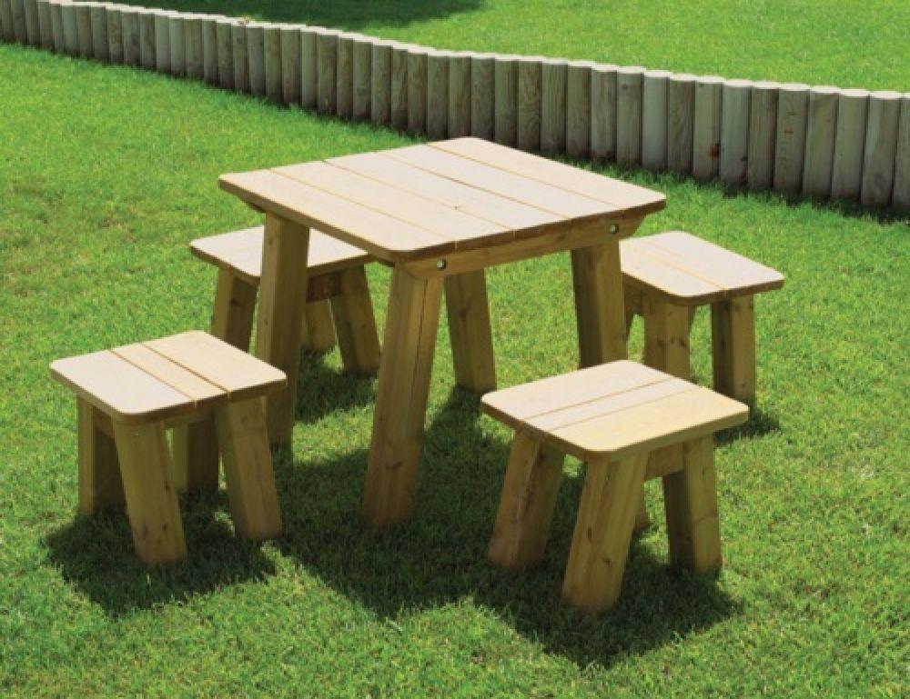 Tavolo salento interamente in legno di forma quadrata play - Panche e tavoli in legno ...