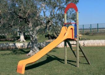 Scivolo Lion con scala di risalita ideale per parchi pubblici