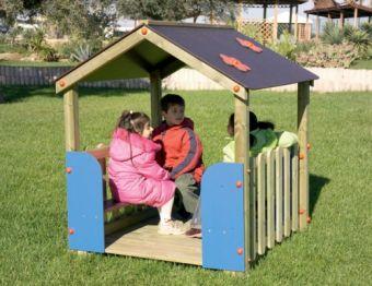 Casetta Family a due falde con parapetti e panchette ideale per parchi pubblici