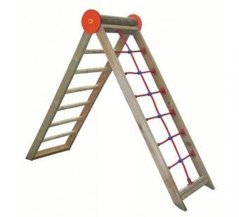 Arrampicata a rete con scala a pioli