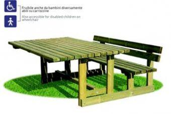 Set Archimede con tavolo, panca e spalliera ideale per giardini e parchi pubblici.