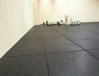 Pavimento antitrauma TFLOOR per Palestra e Crossfit grana fine 100x100x2,5