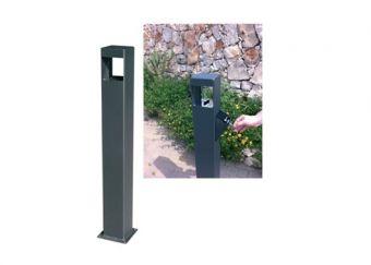Posacenere Pupo, realizzato con struttura a colonna in acciaio.