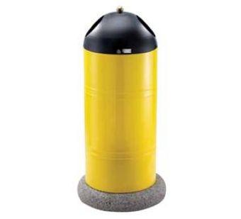 Cestone Cilindrico Giallo, con basamento in calcestruzzo e coperchio forato per inserimento rifiuti.