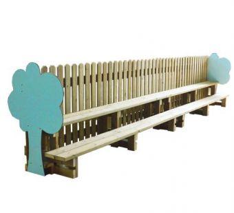 Panchina Anfiteatro, con decorazioni e divisore. Ideale per giardini frequentati da bambini.