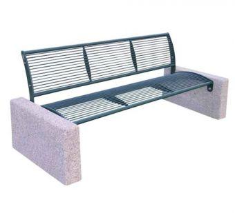Panchina Classic, realizzata interamente in acciaio con supporti in calcestruzzo.