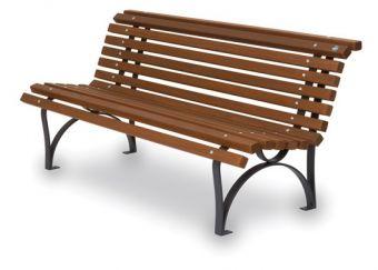 Panca Europa, con seduta ergonomica in legno e motivi decorativi inferiori.