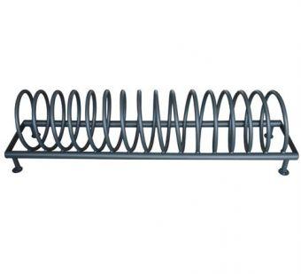 Portabiciclette Spirale, con struttura in tubolare quadro e tondo di acciaio.