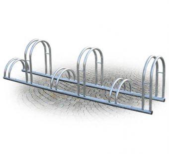 Portabici 6 Posti, con misure diverse alternate in tubolare di acciaio zincato.