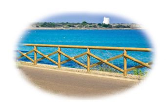 Recinzione Portofino, in legno. Ideale per ambienti marittimi con viste panoramiche.
