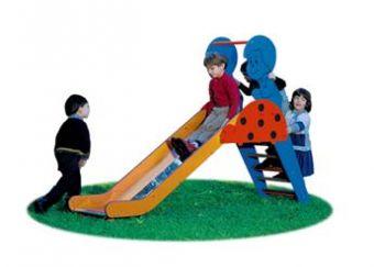 Scivolo Coccinella in acciaio inox ideale per parchi e giardini pubblici.